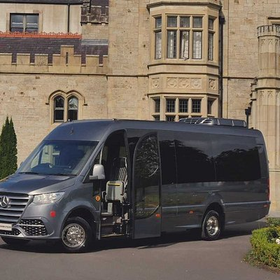 Luxury Mini Coach at Castle