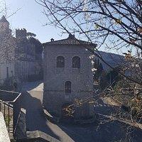 Borgo bellissimo fresco , il silenzio e le montagne soluzione per chi non può allontanarsi molto di quesi tempi