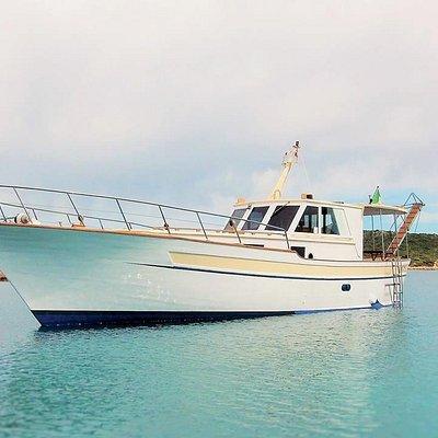 Komm an Bord der Motobarca Antares