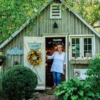 Love Nest Studio Gallery - Owner-Artist and Photographer, Tara Wilkinson, Prince Edward County, Ontario, CANADA.