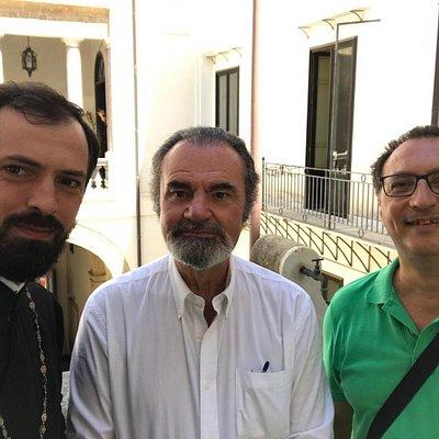 Io, mio cognato Protosinghel Corneliu ed al centro il Barone Bertolino.