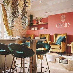 The tea room (manicures, pedicures & juice bar)