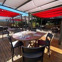 le calme de la terrasse et du jardin au coeur de la ville de Lorient