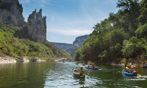 Kayak through the sunning Gorges de l'Ardèche