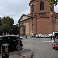 Parking by Chapel Saint Joseph at Hospital des Graves.