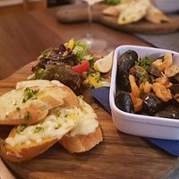 Garlic baguette and chilli prawns with mussles