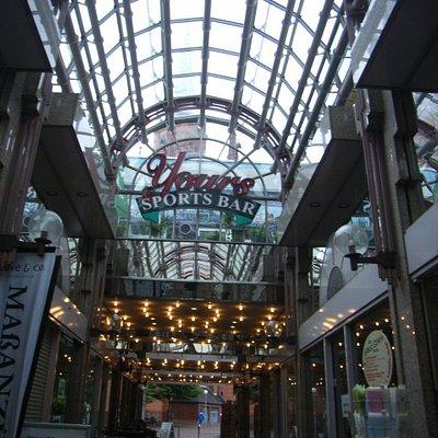 Die Arcade, ist ein kleines Einkauf-Zentrum in Wiesbaden...