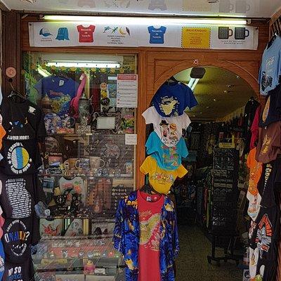 Regalos Niru Souvenir store tienda de recuerdos en Tenerife, Canarias, Canary Island