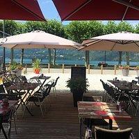 Face au lac du Bourget moment de calme et de détente .