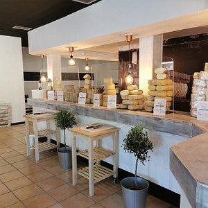 Interior de Rueda Cheesemonger