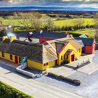 The Thatch Lisselton is a family run Bar & Restaurant based in North Kerry on the Wild Atlantic Way. In June of 2017 husband and wife John & Joanne Riordan O Connor, took over The Thatch. Joanne is a Lisselton native and it was always a passion to go into the hospitality and tourism sector. Prior to this The Thatch was a four generation O Sullivan family run business.