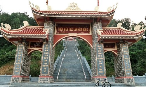 Trúc Lâm Hàm Rồng Zen Monastery