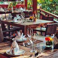 Setting Supattra Thai Dining