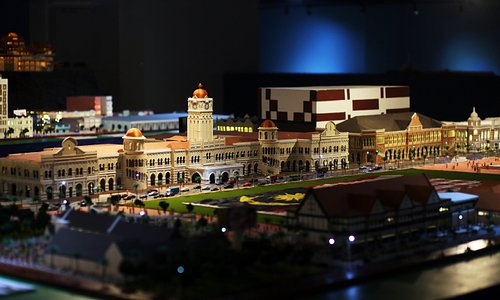 A grand miniature scale model of the Dataran Merdeka. Come see its beautifully made scale models.
