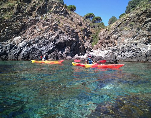 Balade en kayak de mer aux abords de Banyuls.