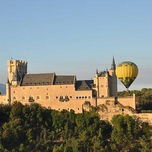 El Alcázar de Segovia desde un globo aerostático.
