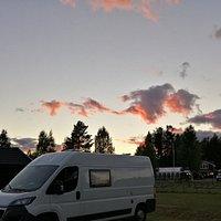 Mycket bra restaurang bara ett stenkast från vår plats på campingen i Åmåsängen.