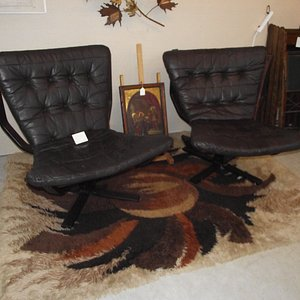 ME – YORK - TANGIBLES ANTIQUES – MID-CENTURY MODERN CHAIRS