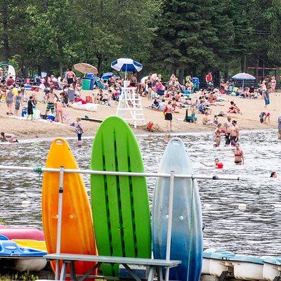 La plage Major est la plus grande plage du lac des Sables.