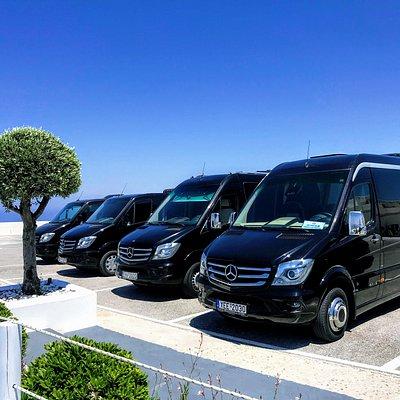Top Santorini Tours minibusses
