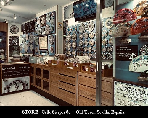 Tienda CERAMICAS SEVILLA 1952 Sierpes 80. Sevilla.