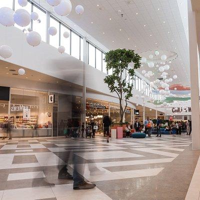 Umgänge och shopping under ett och samma höga tak.