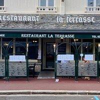 Restaurant ouvert à l'année - proche de la fontaine