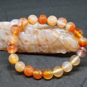 bracelet en cornaline lié au chakra sacré