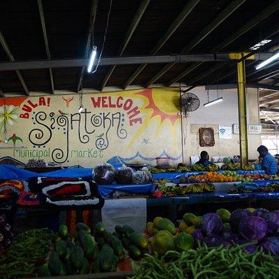 Sigatoka market - from produce to WiFi