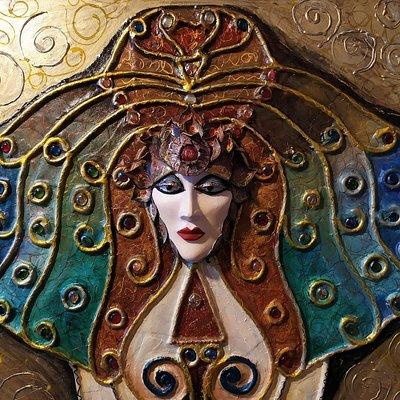 Amourk pannello base in legno e lavorazione della cartapesta a rilievo. Visione personale della dea dell' amore