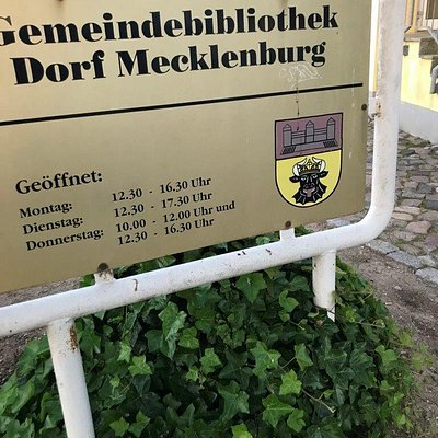 Gemeindebibliothek mestska kniznica Dorf Mecklenburg Deutschland Nemecko