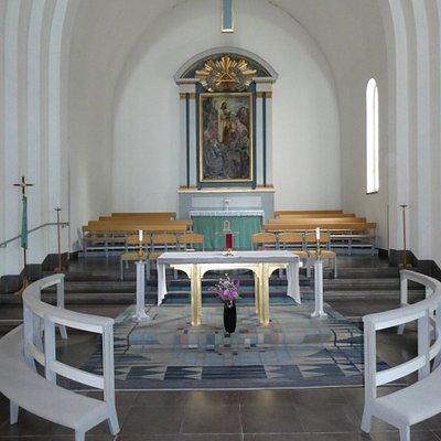 Altare och altartavla i Nybro Kyrka i Nybro