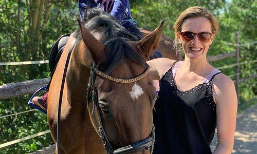Majitelka velice ochotná, svezla nás všechny koních.