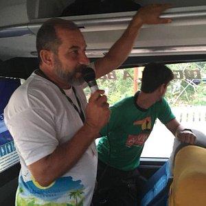 Nossos Guias no Ônibus indo para Chapada Diamantina.
