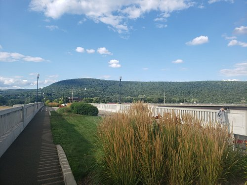 Walking bridge connects Centennial Park to the CMOG area