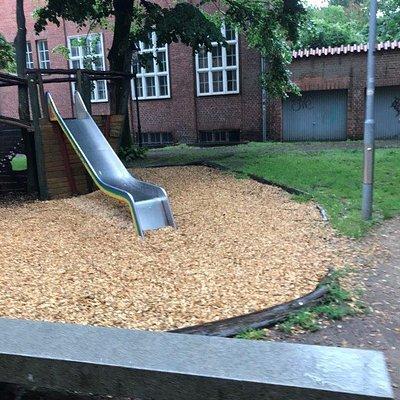 Spielplatz verejne detske ihirsko Lubeck Deutschland Nemecko