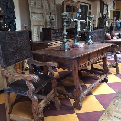Spanish Colonial furnishings
