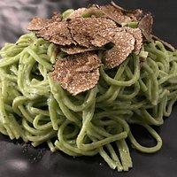 Tagliolini verdi al tartufo nero