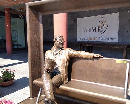 Statua di Lucio Dalla - Milo.