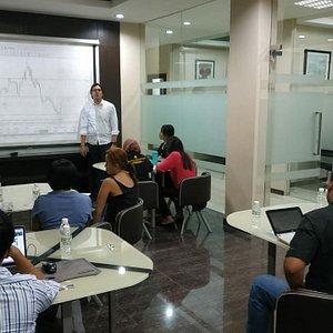 Belajar forex trading gratis di Bali Traders Academy