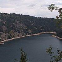 Le sentier du Tour du Lac par le rocher de Hans et sa vierge 🤩 (penser à bien vous équipez, très abrupte !)