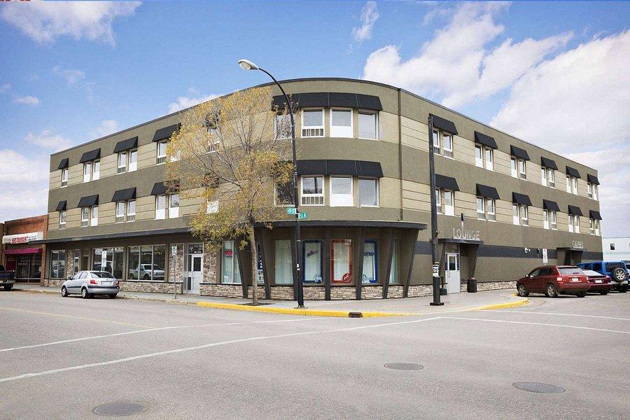 Central Suite Hotel 64 8 0 Prices Reviews Lloydminster Alberta Tripadvisor