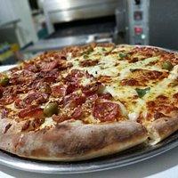 Pizza Especial meio Civeta e meio 4 queijos