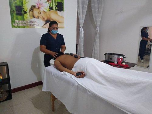 Hot stone massage 50 min   -90 minutes whatsapp 99 92 25 21 35