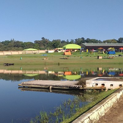 Gnu Valley Farm with coffee shop and kids playground. Kids may bring their bicycles, putters, ball games & kites to the venue.  Shaded areas around the dam with each their own braai.