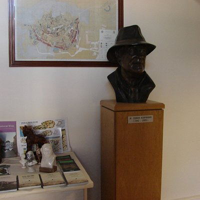 Manfred Osman Korfman Kütüphanesi 3