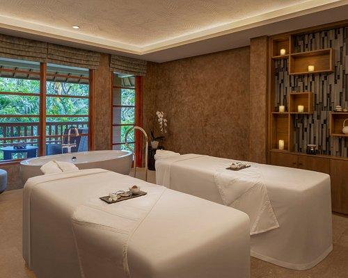 Couple Spa Room Treatment
