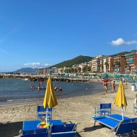 The best equipped facility and beach in Loano. Particularly suited for children. Enjoy!