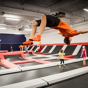 V Jump Academy Brno se naučíte parádní kousky :).