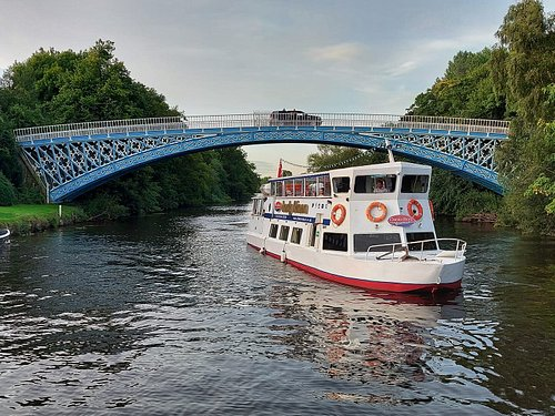 The Lady Diana passing under Alford Iron Bridge on the Duke of Westminster's Eaton Estate